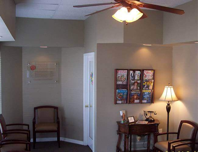 deJong & Plaisance Family Dentistry waiting room